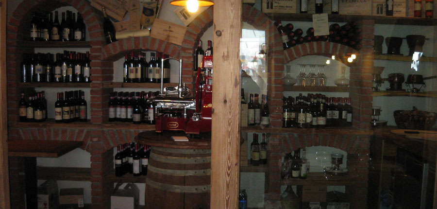 italy_bormio_hotel_girasole_cellar.jpg